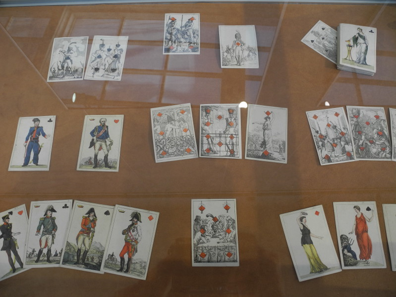 Игральные карты ручной раскраски