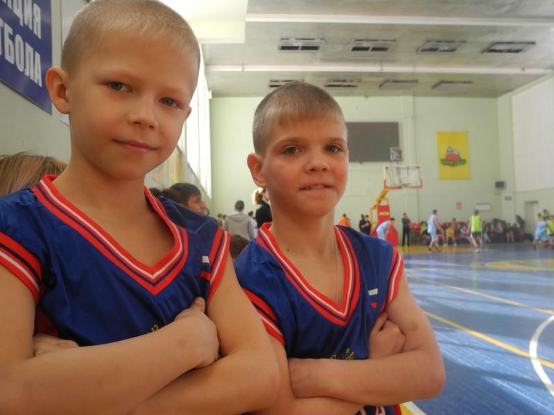 Дима и Саша. Победители в младшей возрастной группе.