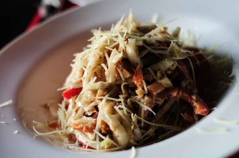 салаты из китайской капусты фото