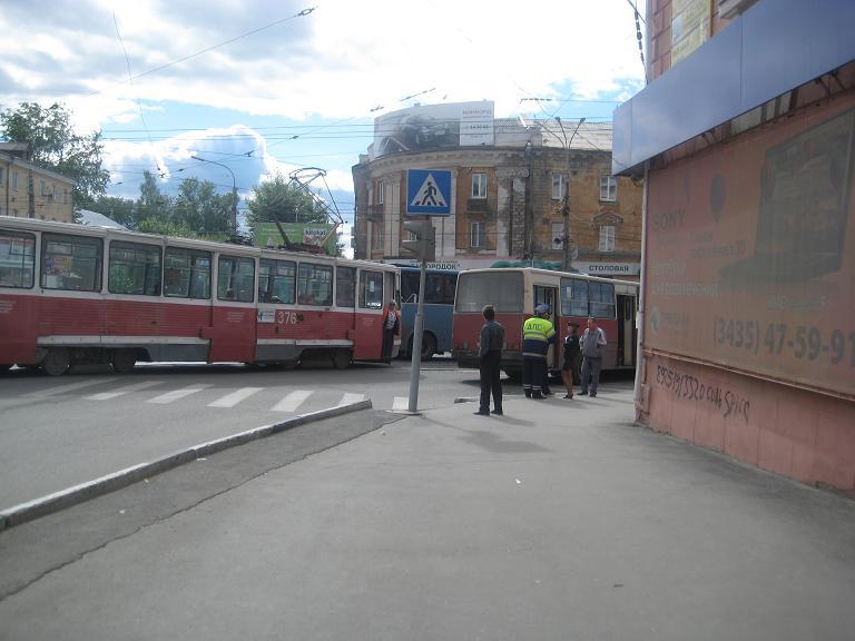 14.06.13 Мира - Циолковского велосипедист (3)
