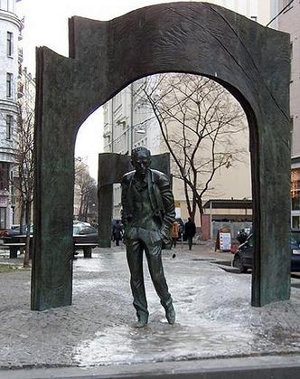 008_Памятник Окуджаве на Артбате