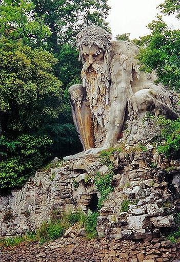 008_Sculpture of Appennino from Giambologna. Located in Villa di Pratolino