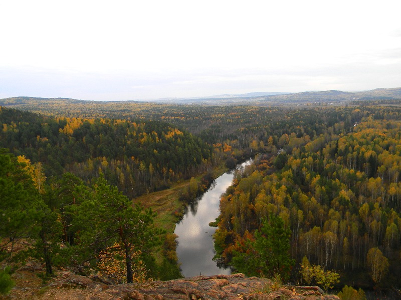 Река Тагил. Вид с Медведь камня