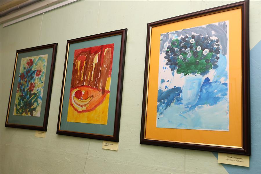 IMG_Рисунки на выставке