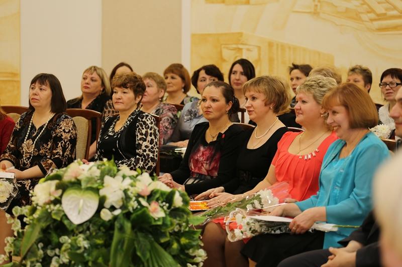 IMG_На церемонии награждения лучших женщин комбината