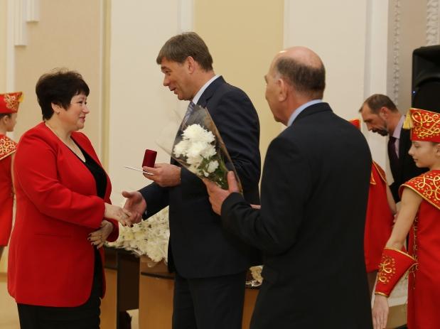 IMG_Премию получает Ирина Юрлова