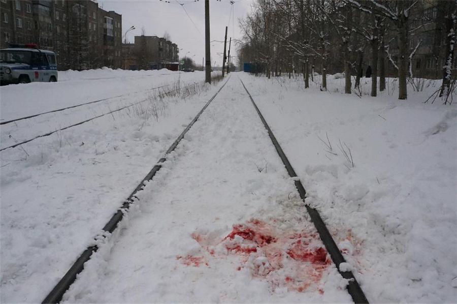 водитель трамвая допустил наезд на пешехода