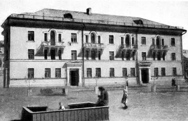 Внутридворовая площадка дома № 15 по ул. Восточной (квартал № 2-2а)