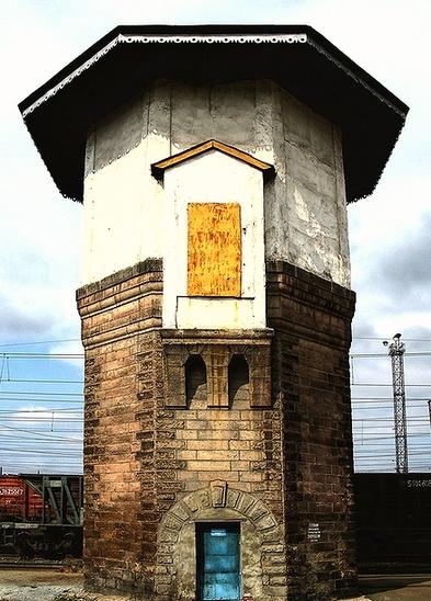 Водонапорные башни на станции «Гороблагодатская» (фото 2000-х гг.)