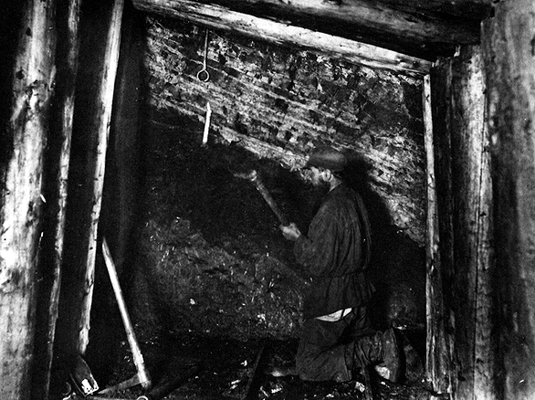 Забой в копи «Жонес №2» (фото 1903 г.)