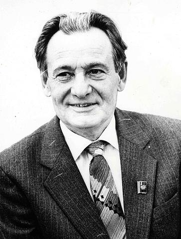 Удовенко В.Г. на XXVII съезде КПСС (фото 1986 г.)
