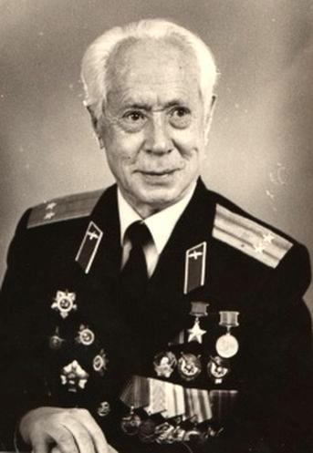 Герой Советского Союза, ветеран Великой Отечественной войны П. А. Пологов