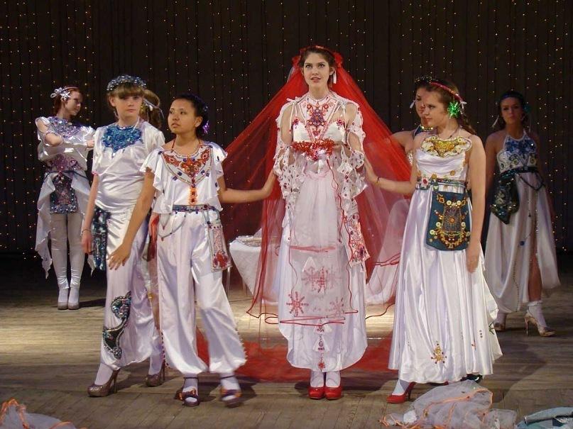 Фото из архива театра мод «GOtiKA»