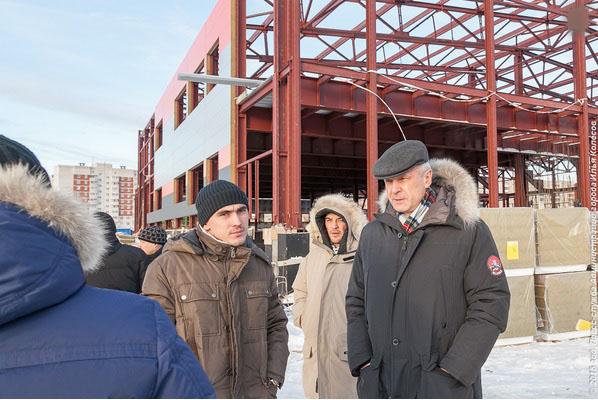 Сергей Носов на стройплощадке ФОКа, фото из архива пресс-службы мэрии