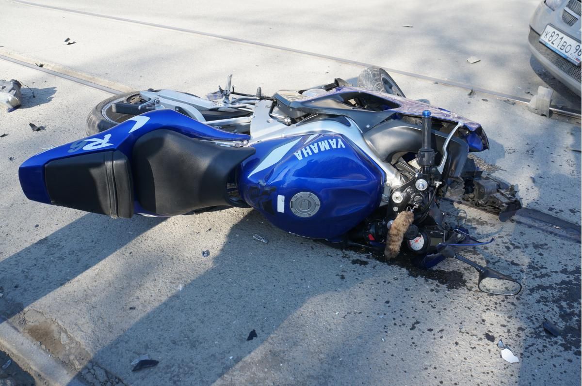 ДТП 28.04.2015 г. на Фрунзе повреждения мото