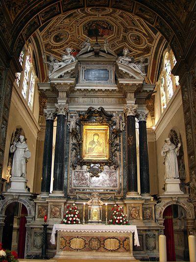 Церковь Санта-Мария-дель-Пополо. Центральный алтарь (фото 2000-х)
