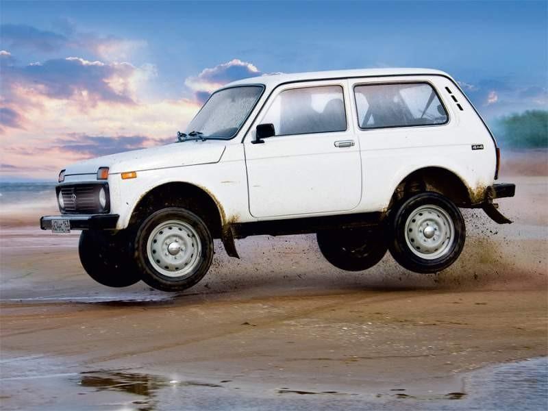 ВАЗ-2121 «Нива» - отечественный вездеход.  Производится с 1977 года.