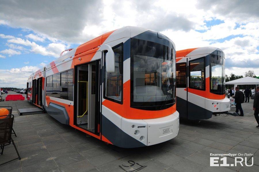 """А это новый трамвай """"Уралтрансмаша"""""""