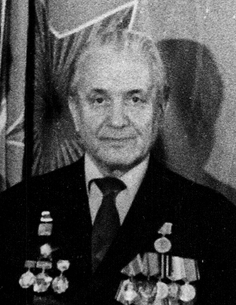 Владимир Самойлович Ярошенко у Знамени Победы (фото 1985 г.)