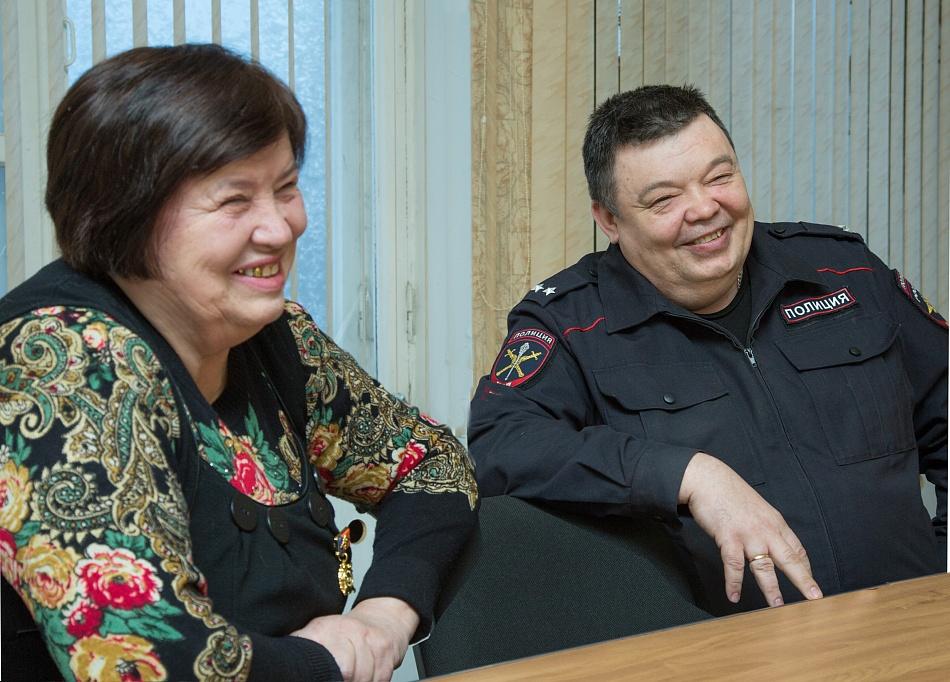 Андрей Бельков справа