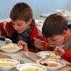 Обновлять пищеблоки и кормить по пять лет – в мэрии разрабатывают новый контракт на школьное питание