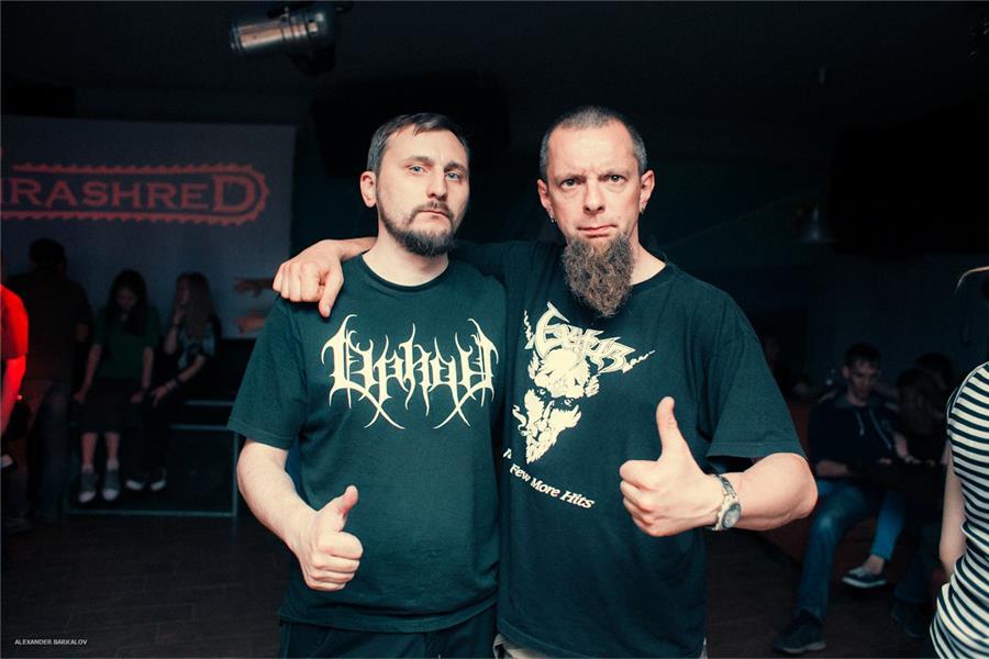 Григорий Зайцев (слева) с вокалистом группы Thy Desease