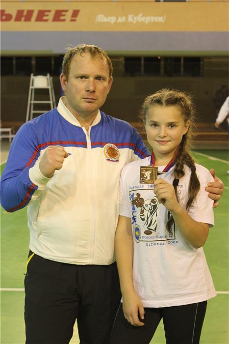 Владимир Морозов с дочерью Марией, которая заняла 3 место в весовой категории до 47 кг в группе 10-11 лет