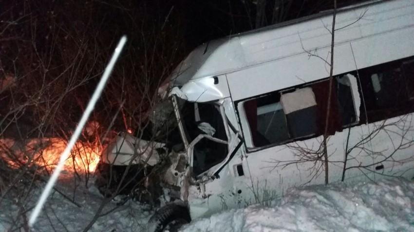Авария с участием автобуса и грейдера