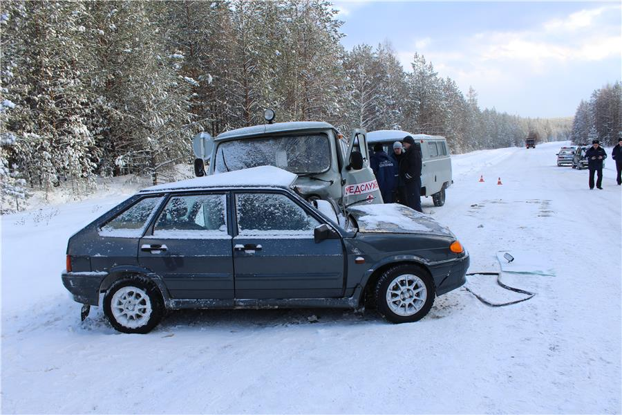 Под Нижним Тагилом автомобилистка погибла в трагедии смашиной скорой помощи