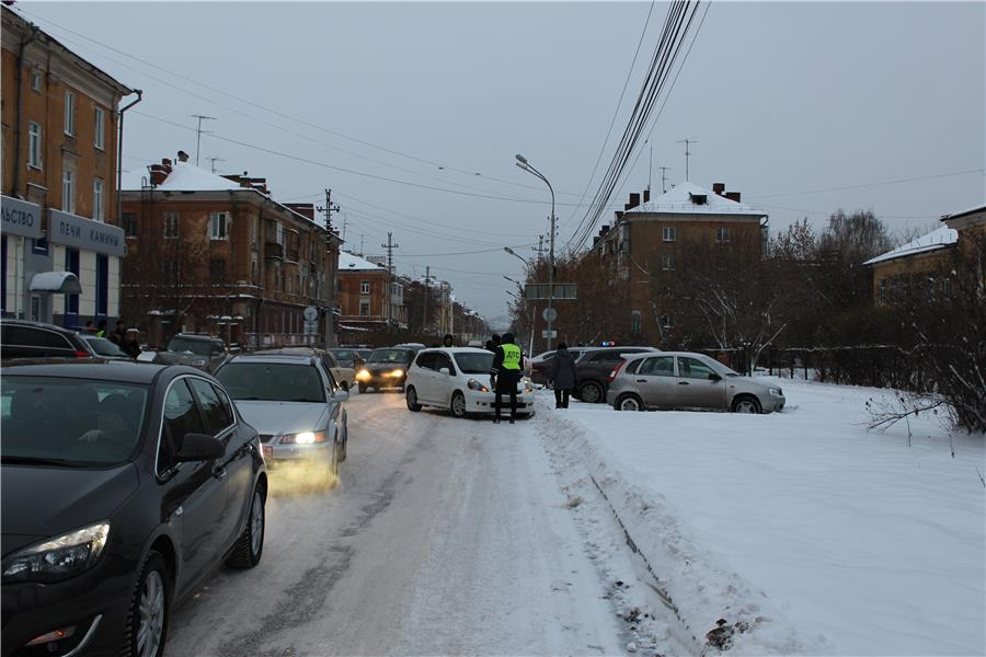 vid-so-storonyi-ul-oktyabrskoy-revolyutsii-v-storonu-ul-mira