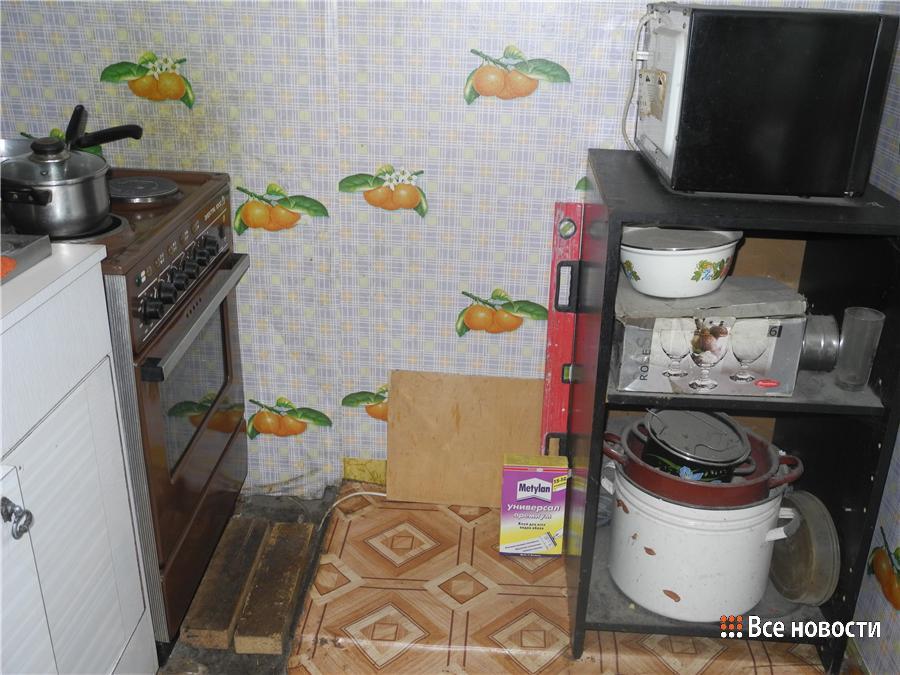 Кухня в коммуналке, пока чистая