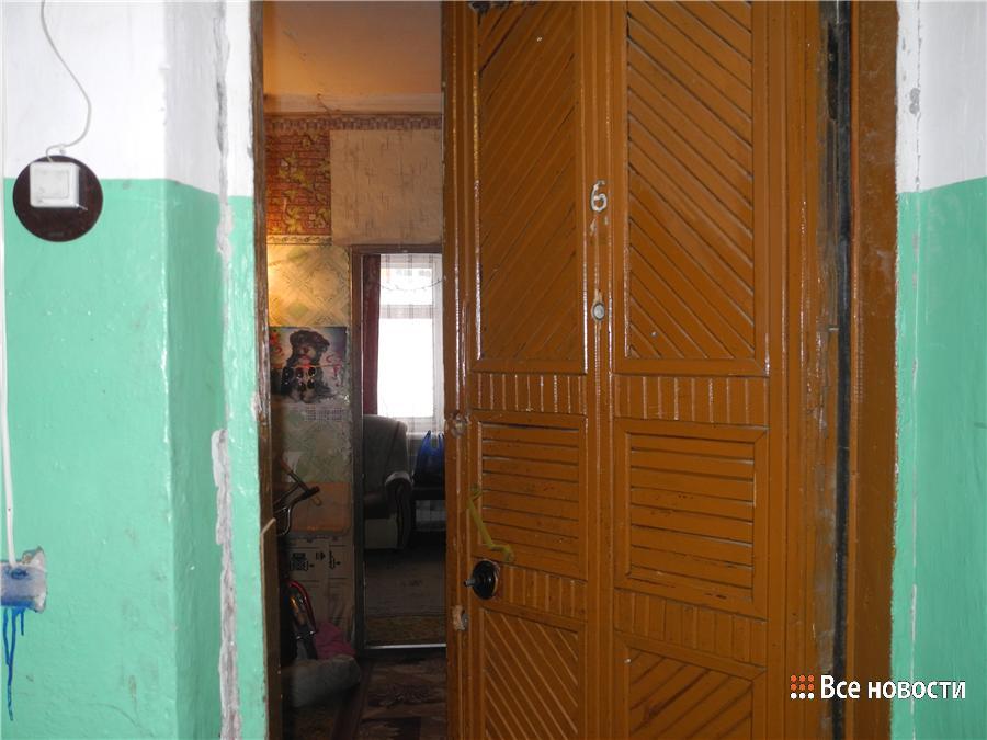Общая дверь в квартиру не закрывается