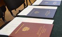«21-й век» вручил дипломы первым выпускникам