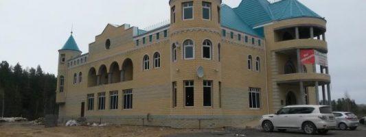 Работу отеля-кафе «Девичья башня» приостановили из-за многочисленных нарушений