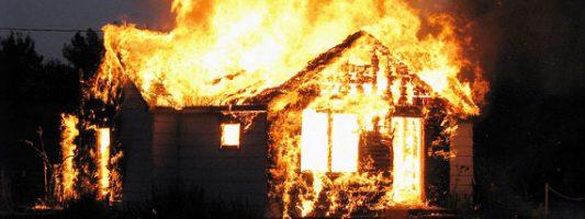 В Покровском сгорел частный дом на улице Красных Орлов