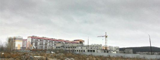 «Больница будет строиться – это понятно». Областные министры осмотрели руины детской многопрофильной