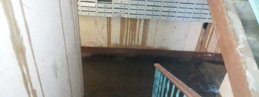 Погода в доме хуже некуда – крыши домов в Нижнем Тагиле не выдержали суперливень