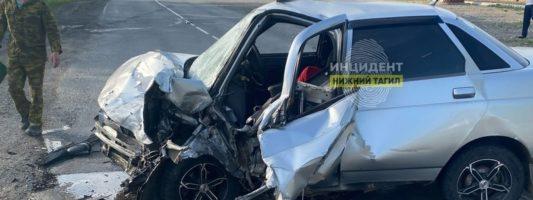 В Нижнем Тагиле водитель-новичок устроил лобовое ДТП с пострадавшими